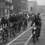 brommerprotest Amsterdam tegen bromfietsbelasting.
