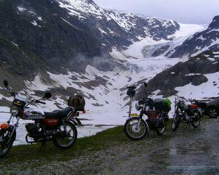 trio_mopeds